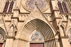 Particolare di external della chiesa cattolica Fotografie Stock Libere da Diritti