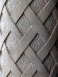 Particolare di vecchia colonna intagliata del cemento Fotografia Stock Libera da Diritti