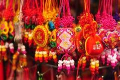 Particolari dell'artigianato cinese - fascini di buona fortuna 2 fotografie stock libere da diritti