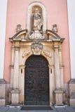 Particolari di disegno dell'entrata di fronte della cattedrale Fotografia Stock Libera da Diritti