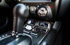 Particolari di lusso dell'interno dell'automobile Immagine Stock
