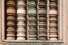 Particolari variopinti della colonna al tempio di pietra antico in Burirum Thail Fotografie Stock Libere da Diritti