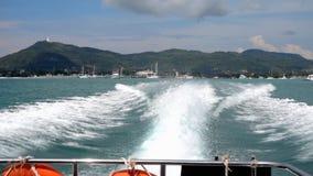 Partida da lancha da baía de Chalong, Phuket filme