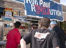 Partidario de Ron Paul en el discusión presidencial 2012 del GOP Imagen de archivo libre de regalías