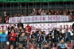 Partidarios de las personas de FC CFR Cluj, Rumania foto de archivo