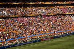 Partidarios del fútbol en la ciudad del fútbol - WC 2010 de la FIFA Imagenes de archivo