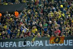 Partidarios en el partido de semifinal de la liga del Europa entre el Villarreal CF y Liverpool FC Fotos de archivo