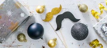 Partido alegre do ano novo dos pares Imagem de Stock Royalty Free