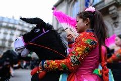 14/02/2018 - Partido chinês do ano novo em Paris fotografia de stock