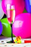 Partido con champán Nochevieja o cumpleaños Fotos de archivo