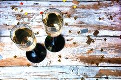 Partido con champán Nochevieja o cumpleaños Visión superior Imagenes de archivo