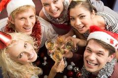 Partido con los amigos Imagen de archivo libre de regalías