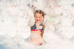 Partido da espuma na praia Fotos de Stock