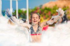 Partido da espuma na praia Fotografia de Stock