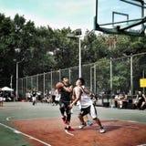 Partido de baloncesto de la calle foto de archivo libre de regalías