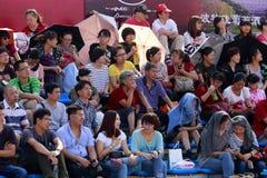 Partido de balonvolea de observación de playa de la audiencia Fotografía de archivo