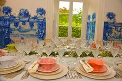 Partido de cena, decoración de las tablas de banquete, boda o evento del cumpleaños Fotografía de archivo libre de regalías