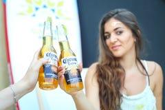 Partido de Corona Sunsets Session em Zagreb, Croácia imagem de stock royalty free
