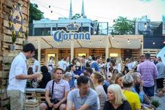 Partido de Corona Sunsets Session em Zagreb, Croácia fotos de stock royalty free