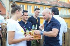 Partido de Corona Sunsets Session em Zagreb, Croácia foto de stock