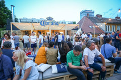 Partido de Corona Sunsets Session em Zagreb, Croácia foto de stock royalty free