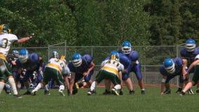 Partido de fútbol de la High School secundaria almacen de video