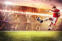 Partido de fútbol en el estadio Fotografía de archivo libre de regalías