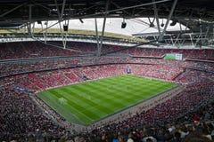 Partido de fútbol en el estadio de Wembley, Londres foto de archivo