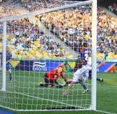 Partido de fútbol entre el dínamo Kyiv y Tavriya Fotografía de archivo libre de regalías