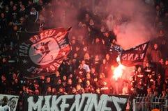 Partido de fútbol entre Paok y Panetolikos Fotos de archivo