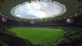 Partido de fútbol Timelapse del fútbol del estadio de Krasnodar almacen de metraje de vídeo