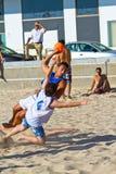 Partido de la diecinueveavo liga del balonmano de la playa, Cádiz Imagen de archivo