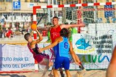 Partido de la diecinueveavo liga del balonmano de la playa, Cádiz Imágenes de archivo libres de regalías