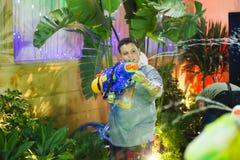 Partido del arma de agua del Año Nuevo Fotos de archivo