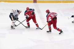 Partido del hockey en palacio del hielo de Vityaz Fotos de archivo libres de regalías