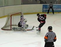 Partido del hockey sobre hielo de Kharkov Donbass Fotografía de archivo libre de regalías
