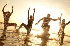 Partido en la playa Fotos de archivo libres de regalías