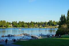 Partido grande no lago do ângulo fotografia de stock