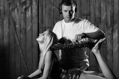 Partido musical O DJ equipa o jogo do misturador Foto de Stock