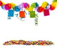 Partie avec la chaîne de confettis et de papier Images stock