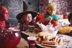 Partie de Halloween pour des enfants Photographie stock