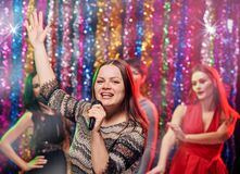 Partie de karaoke de filles Photographie stock