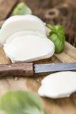Partie de mozzarella frais (tir en gros plan) Image libre de droits