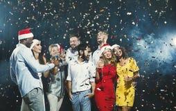 Partie de nouvelle année de bureau Les jeunes ayant l'amusement Photo stock