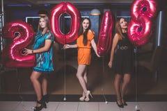 Partie de nouvelle année Jolies filles modèles Photos stock