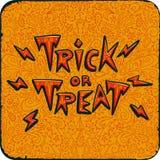 Partie de nuit de Halloween Carte de vintage avec le des bonbons ou un sort des textes sur le fond d'orange de modèle Invitation  Photographie stock