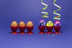 Partie de Pâques avec les oeufs fous Photo libre de droits