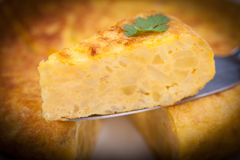 Partie de tortilla espagnole (omelette) Image stock
