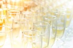 Partie de vin de coucher du soleil photos stock