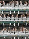 Partie et accessoires électriques dans le coffret de contrôle, le contrôle et le distributeur de puissance images libres de droits
